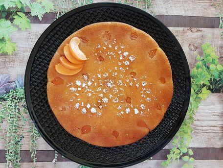 RECIPE MAIN IMAGE Gâteau aux abricots, amande et yaourt