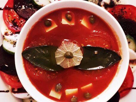 RECIPE MAIN IMAGE Soupe de tomates froide à l'Américaine