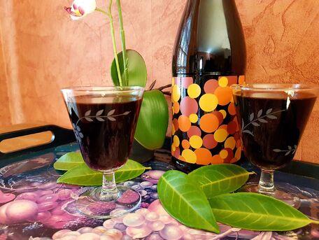 RECIPE MAIN IMAGE Vin de palme (ou vin de laurier)