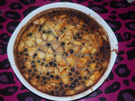 RECIPE MAIN IMAGE Clafoutis myrtilles pommes amandes