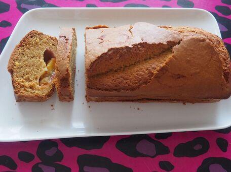 RECIPE MAIN IMAGE Cake aux prunes