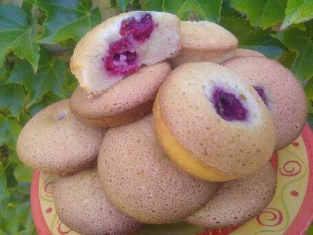 RECIPE MAIN IMAGE Muffins aux amandes et aux framboises