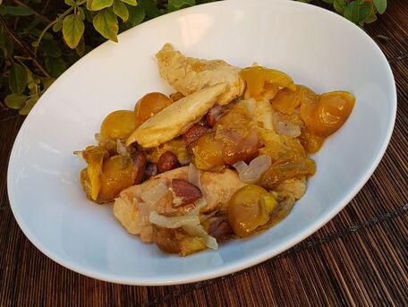 RECIPE MAIN IMAGE Tajine poulet sucrée-salée à la mirabelle
