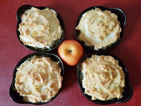 RECIPE MAIN IMAGE Compote de pommes meringuée