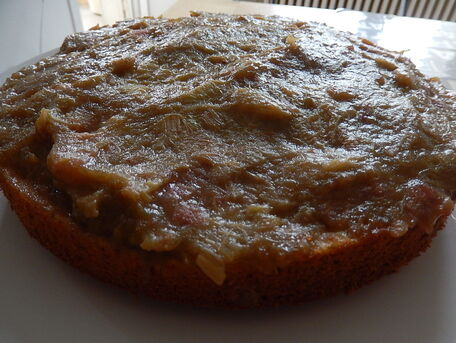 RECIPE MAIN IMAGE Gâteau renversé à la rhubarbe