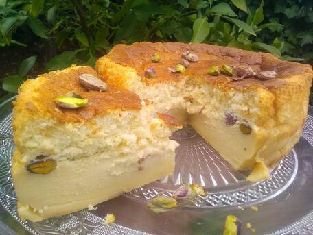 RECIPE MAIN IMAGE Gâteau magique pistache et chocolat blanc