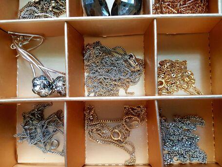 ADVICE MAIN IMAGE Comment démêler facilement vos bijoux