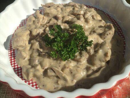 RECIPE MAIN IMAGE Rognons de veau au madère et à la crème fraîche