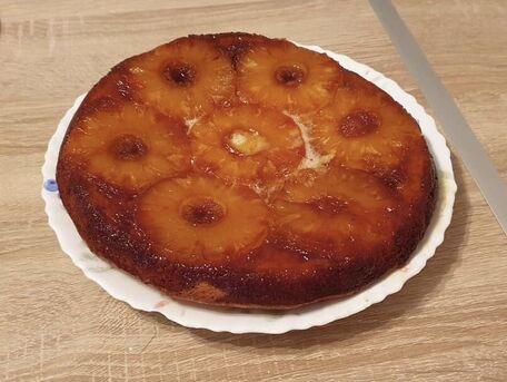 RECIPE MAIN IMAGE Gâteau à l'ananas, style Tatin