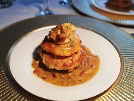 RECIPE MAIN IMAGE Noix de saint jacques sur galette d'igname et patate douce.