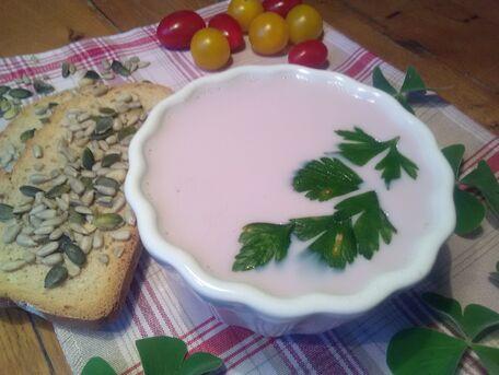 RECIPE MAIN IMAGE Soupe de radis roses au Saint Moret