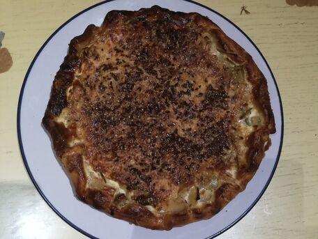 RECIPE MAIN IMAGE Tarte aux poireaux, lait de coco et graines de lin