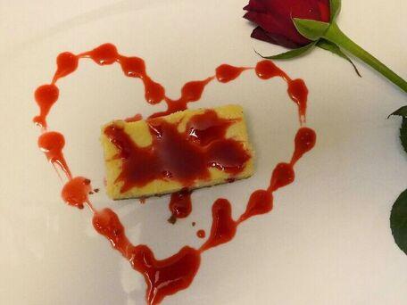 RECIPE MAIN IMAGE Cheesecake speculoos coulis de framboises