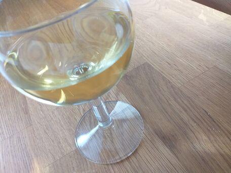 ADVICE MAIN IMAGE Du vin blanc pour détacher du vin rouge