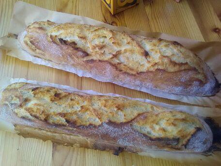 RECIPE MAIN IMAGE Baguettes de pain blanc sans pétrissage
