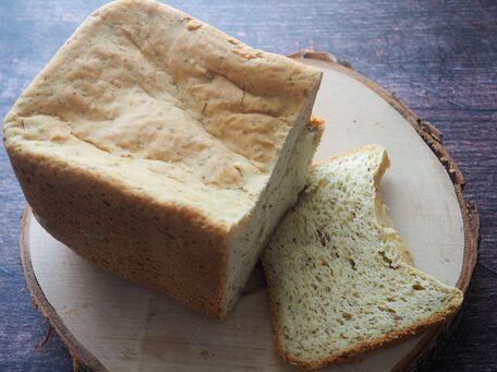 RECIPE MAIN IMAGE Pain au parmesan et à l'origan à la machine à pain