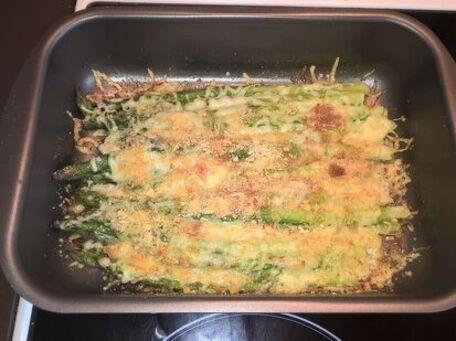 RECIPE MAIN IMAGE Petit crumble aux asperges vertes