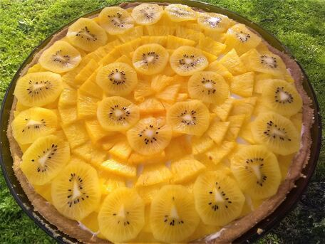 RECIPE MAIN IMAGE Tarte soleil ananas et kiwi jaune