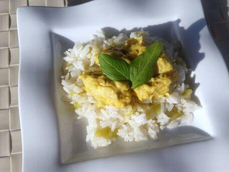 RECIPE MAIN IMAGE Curry de poulet au lait de coco