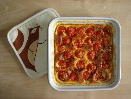 RECIPE MAIN IMAGE Clafouti au chèvre frais, basilic et tomates cerises