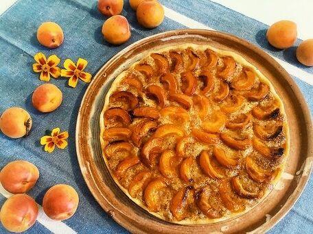 RECIPE MAIN IMAGE Tarte aux abricots crème noisette