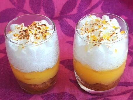 RECIPE MAIN IMAGE Tarte au citron meringuée et spéculoos revisitée  en verrine