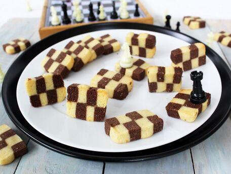 RECIPE MAIN IMAGE Mes petits damiers sablés vanille et chocolat