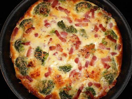RECIPE MAIN IMAGE Quiche sans pâte brocolis roquefort