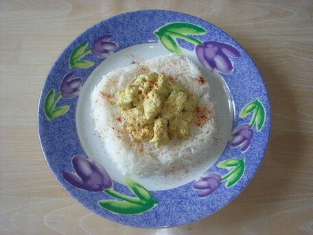 RECIPE MAIN IMAGE Poulet au curry & oignons facile