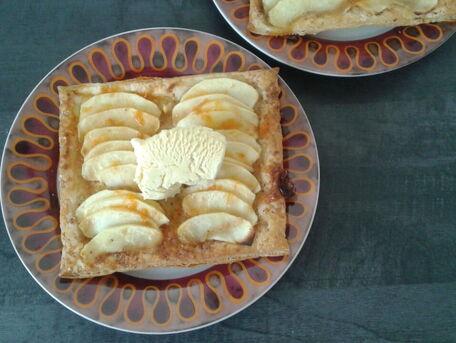 RECIPE MAIN IMAGE Tartes fines aux pommes