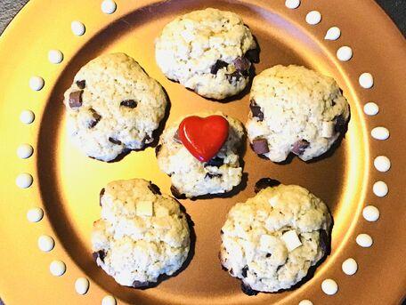 RECIPE MAIN IMAGE Cookies gourmands aux maxi pépites 3 chocos