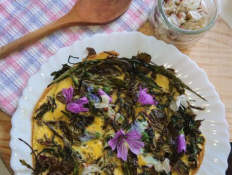 RECIPE MAIN IMAGE Tortilla d'herbes sauvages