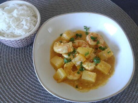 RECIPE MAIN IMAGE Colombo antillais de crevettes à l'ananas