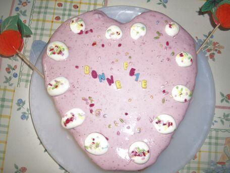 RECIPE MAIN IMAGE Coeur aux fraises pour jour de Fête