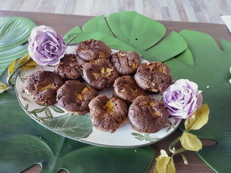 RECIPE MAIN IMAGE Gâteaux au chocolat au lait et morceaux d'ananas
