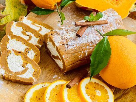 RECIPE MAIN IMAGE Roulé au potiron à l'orange et crème à la vanille