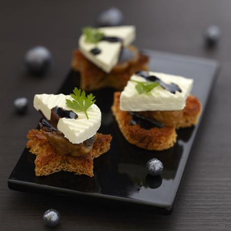 RECIPE MAIN IMAGE Bouchée de pain d\'épices et figues moelleuses au Caprice des Anges et sirop de balsamique