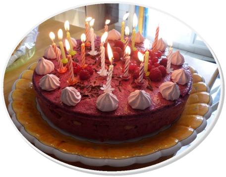 RECIPE MAIN IMAGE Gâteau léger à la mousse de fruits rouges ( 6/8 personnes)