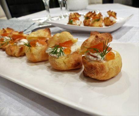 RECIPE MAIN IMAGE Mini choux au saumon fumé et au fromage frais
