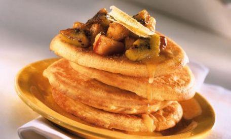 RECIPE MAIN IMAGE Pancakes et compotée de fruits avec Alsa®