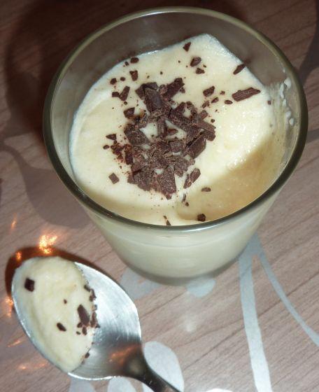 RECIPE MAIN IMAGE Mousse chocolat blancs amande