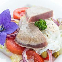 Salade niçoise au quinoa et thon grillé