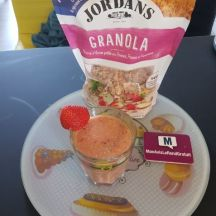 Smoothie au Céréales Granola pommes fraises et framboises Jordans
