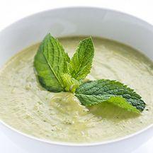 Soupe de brocolis à la menthe et au quinoa