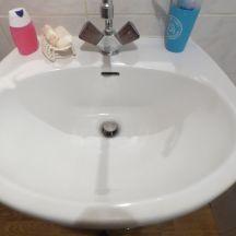 Enlever les rayures grisâtres sur son lavabo