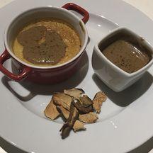 Flan de foie gras et sa sauce crémée aux cèpes séchés...So good...!!!