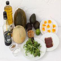 Assiette fraîcheur,  sucré salé ,melons, avocat et magret fumé