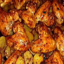 Ailes de poulet marinées et pommes de terre