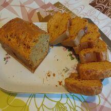 Cake tomates séchées, olives, emmental
