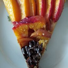 Tarte aux nectarines et palets bretons.